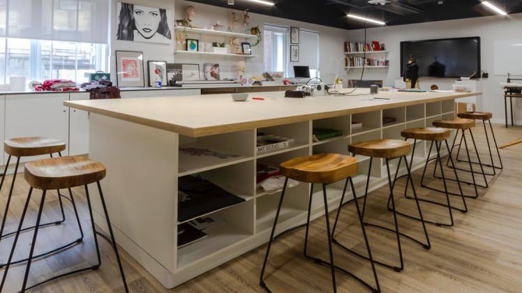 interior art classroom